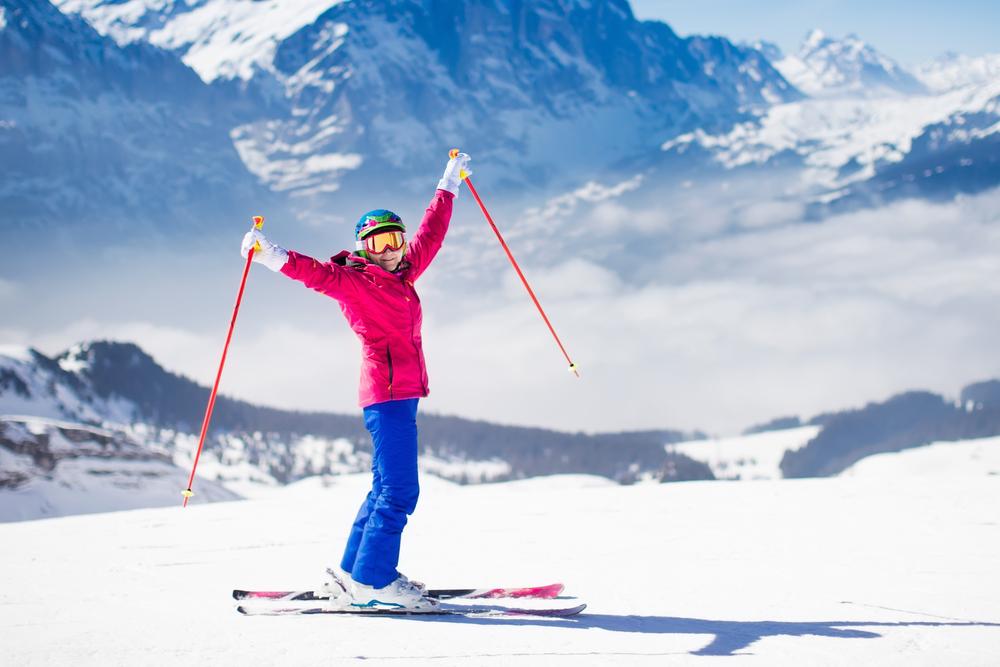 Kurtka narciarska musi chronić przed wiatrem, chłodem i wodą